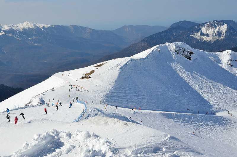 Гудаури: горные лыжи и сноуборд
