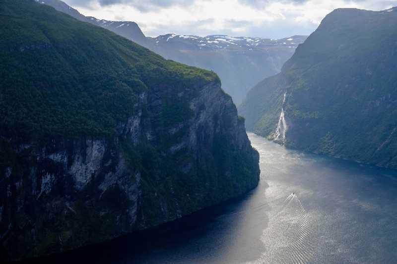 Ищу людей, которые хотели бы поехать в Норвегию летом 2018. У которых есть опыт самостоятельных...