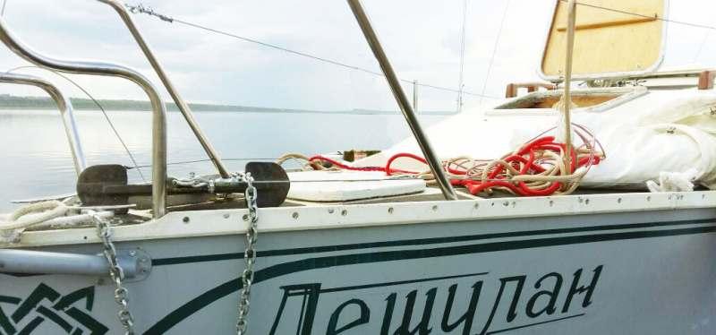 По Байкалу на парусно-моторной яхте 7,62 м.