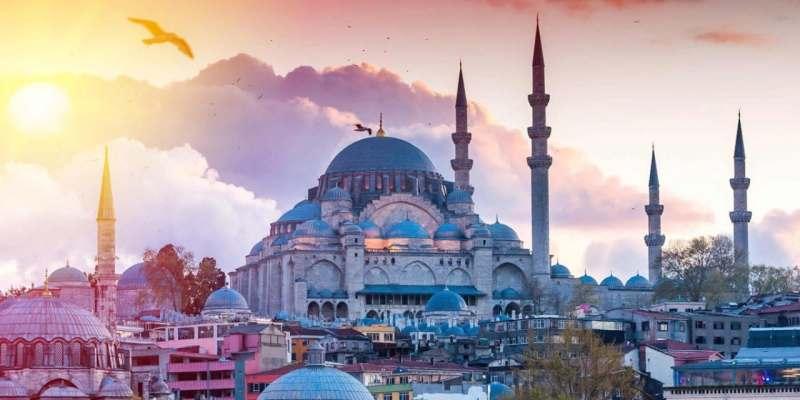 Ищу попутчика/цу в Стамбул. Пешие прогулки, знакомство с городом, древностями, архитектурой,...