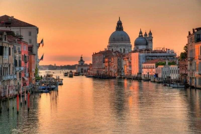 Ищу попутчицу или попутчиц для поездки в Венецию с 28 августа по 7 сентября+- 1-2 дня. Интересует...