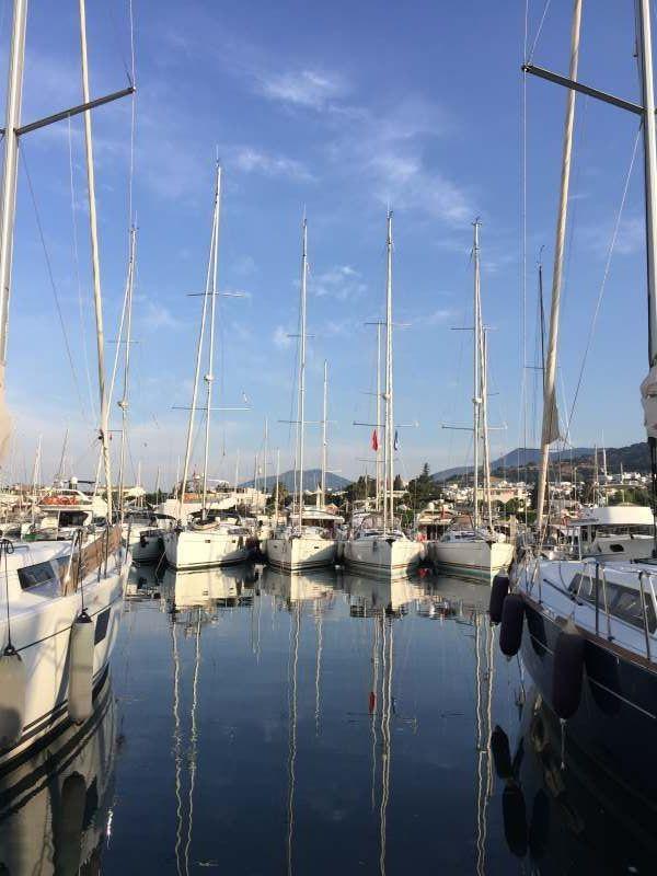 Яхтинг по греческим островам Афины, Санторини.