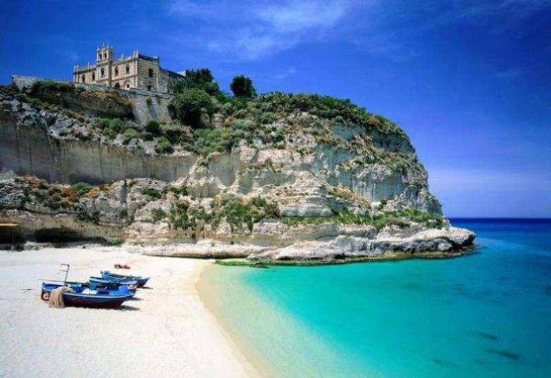 Ищу попутчицу для поездки в солнечную Италию, в район Калабрия. Уже есть интересный тур куда уже...