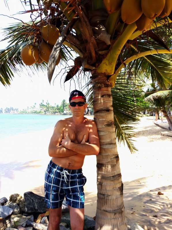 Позитивный пляжный отдых... с веселой, симпатичной, общительной девушкой. Возможны поездки на...