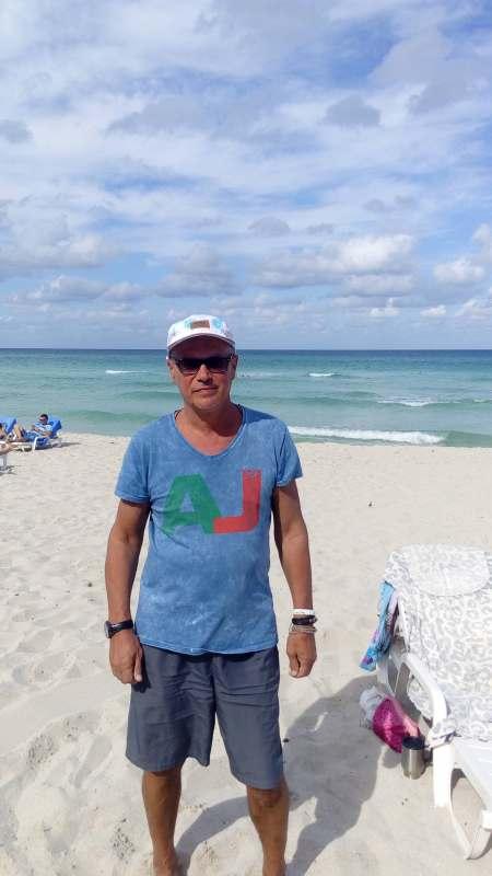 Ищу комфортную попутцину для отдыха на море в период июль-август. Пляж,релакс,экскурсии. Готов...