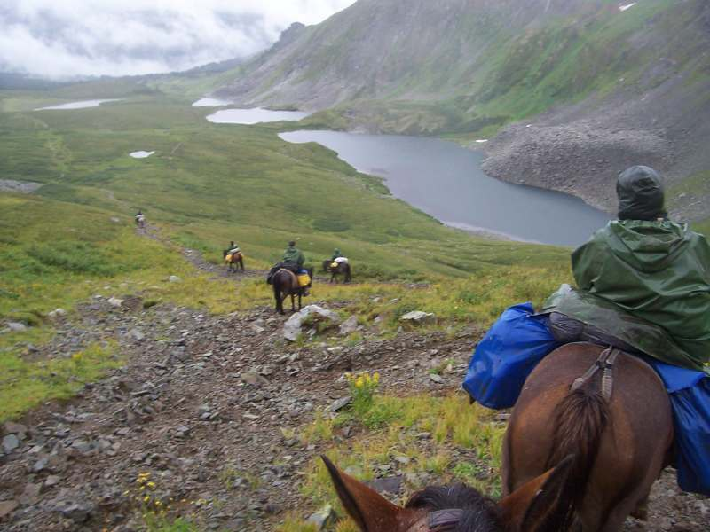 «Алтайская сказка» верхом на конях