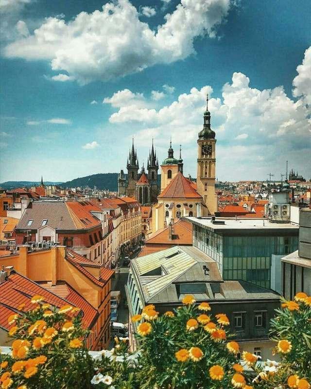 Ищу веселую попутчицу, возраст 18-35 лет.  в Чехию на 6-7 дней с вылетом из Уфы. Примерно в...