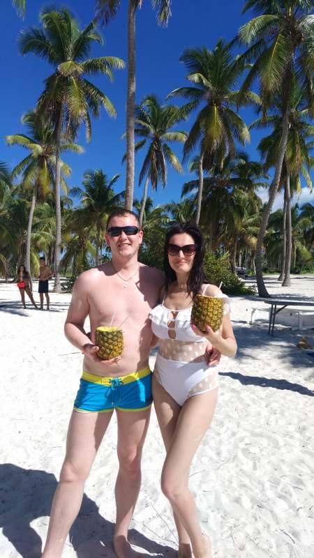Пара, ищем компанию желательно из СПБ на 7-10 дней пляжно-экскурсионный отдых.