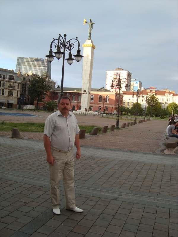 В начале сентября в Грузию или в Крым на автомобиле.  Отдых и ознакомление с местными...
