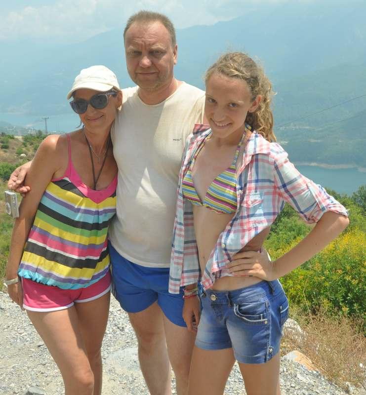 Мы семья из 3 человек. В июле, планируем автопутешествие Красноярск-Крым.  Будем рады попутчикам...