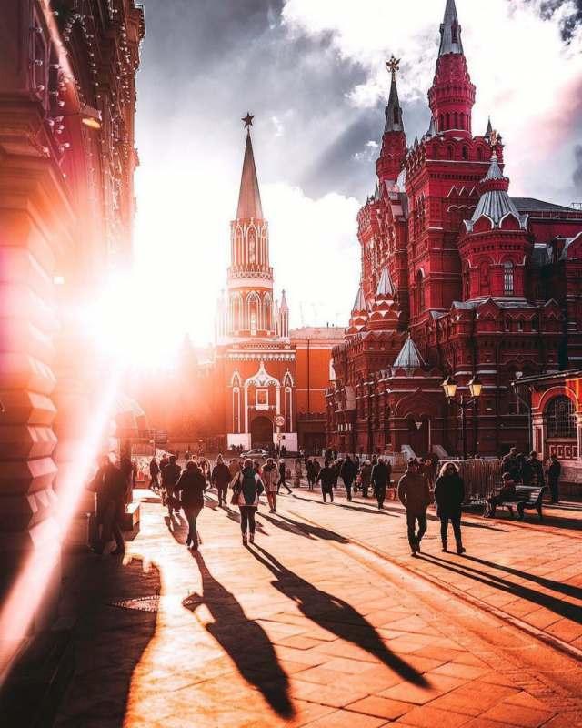 Буду в Москве 3-6 и 23-26 августа.  За эти дни планирую посетить и посмотреть как можно больше...