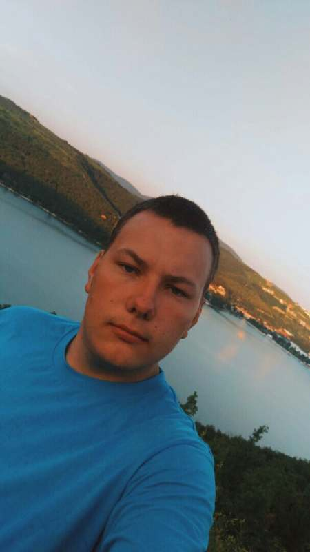 Приветствую! Ищем попутчиц, едим в Крым практикуем кемпинг! Пляж, трех разовое питание, рыба,...