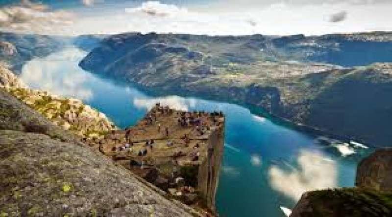 Очень хочу посмотреть Норвегию, но не с кем ехать.  Планирую посетить фьорды, скалу Прекестулен и...