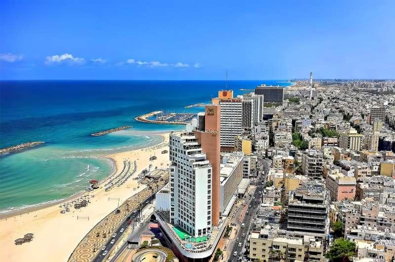 Израиль веселой компанией на мартовские праздники