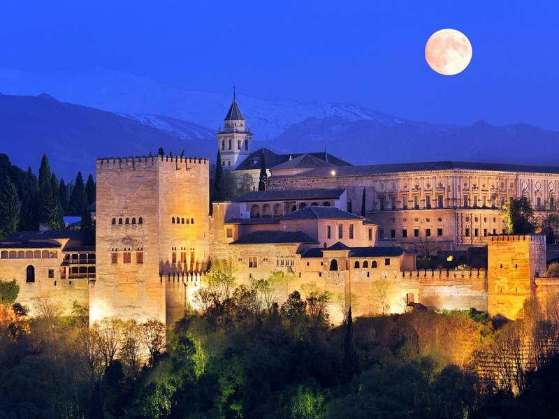 Хочу проехаться по Испании.. почувствовать атмосферу.. заехать в Альгамбру. Весной или осенью. С...