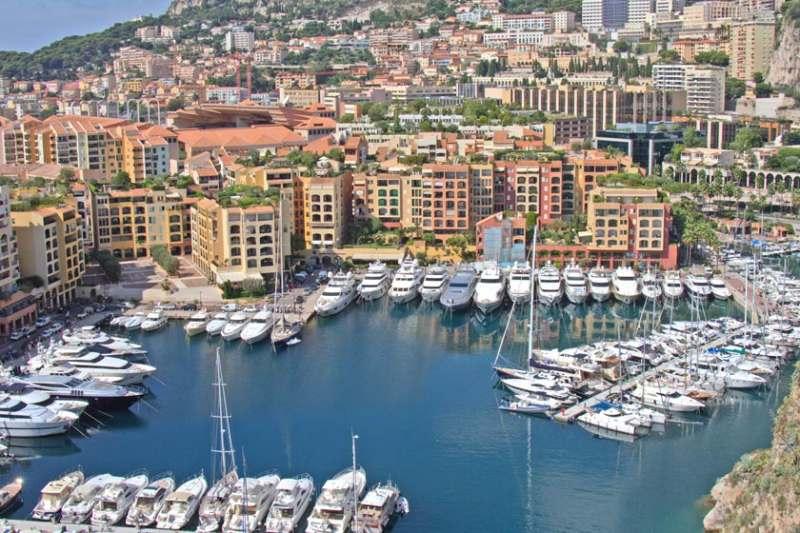 Еду с подругой в Барселону с 20 по 30 июля 2019. Хотим попутно посетить Андорру, Монако, Канны,...