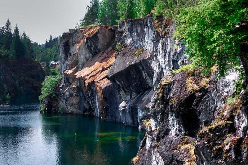Поездка дикарями, с палатками, через Приозерск, Сортавалу, Рускеалу, Суоярви, Воттаваару, к горе...