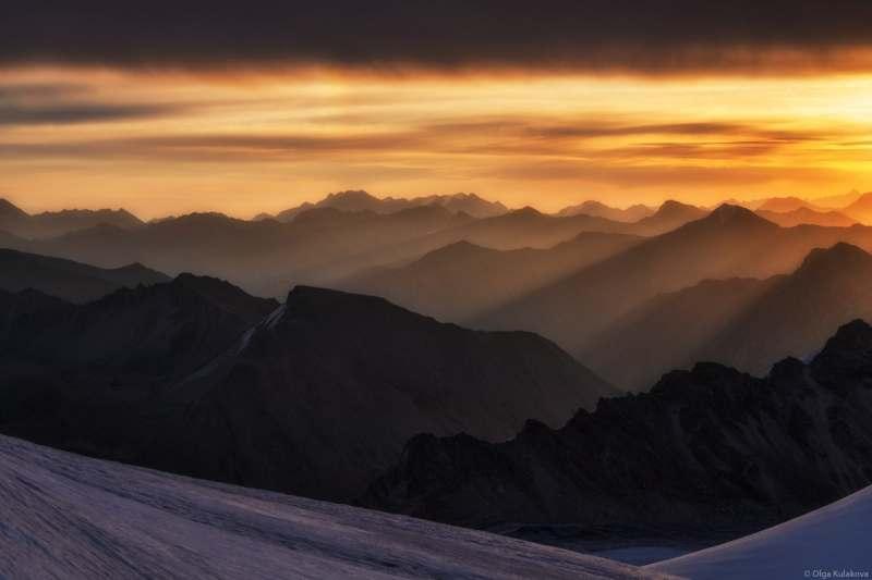 Я хочу поехать в Казахстан и Киргизию,чтобы увидеть замечательный шедевр природы. Поход в горы с...