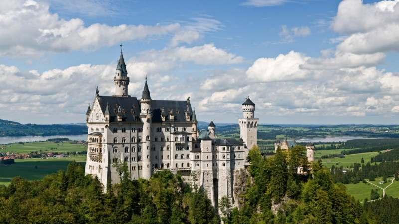 Ищу попутчиков для поездки в инсбрук, зальцбург, мюнхен с заездом в замок нойшванштайн....