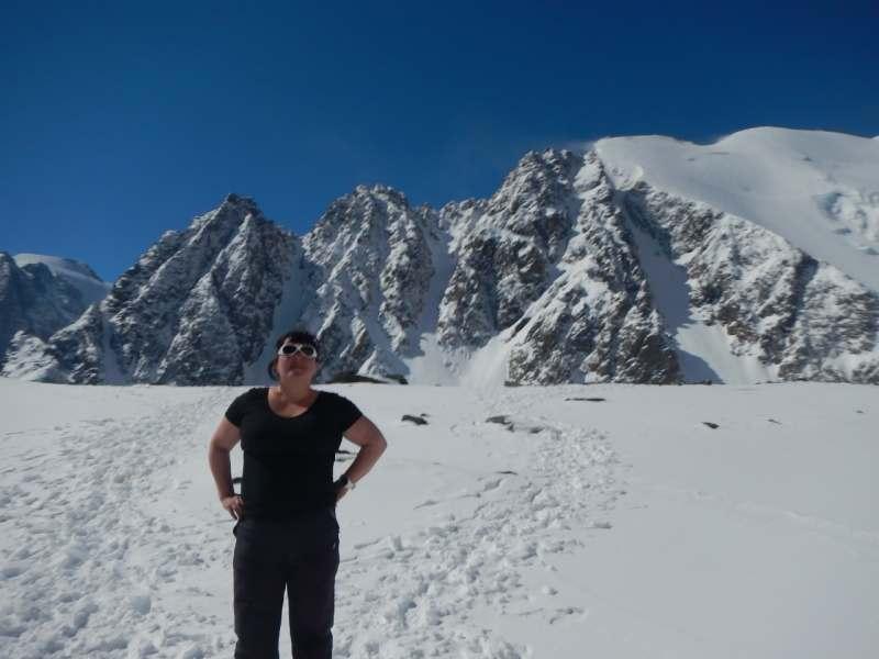 В июне, пока без точных дат, по согласованию. Долина Актру, горные походы и восхождения от 2000...