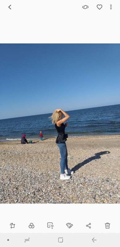 Ищу попутчицу для удешевления тура ))) Только пляжный отдых,  желательно на Кубу.