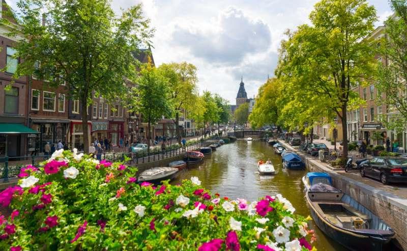 Едем компанией в Амстердам через замок Тракай, Калининград, куршскую косу, Гданьск на машине.