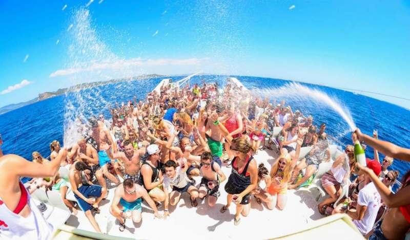 Ищу попутчицу или компанию для отдыха, конец июля-август на море. Совместить активный и пассивный...