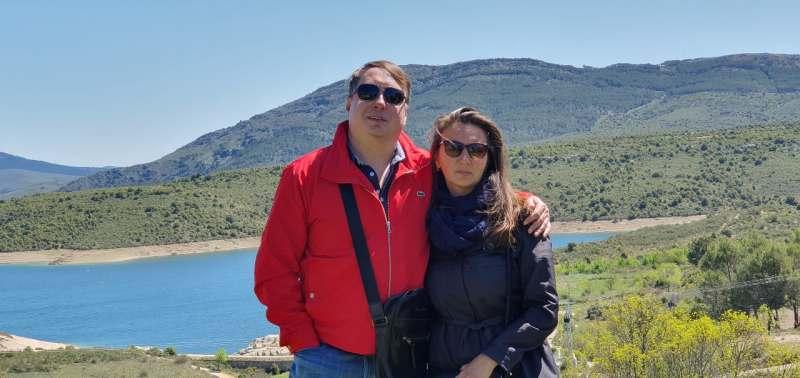 Всем привет! Ищем семейную пару для совместного отдыха в Чехии. О нас: адекватная семейная пара....