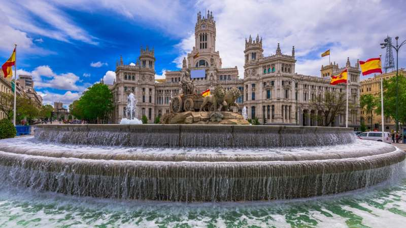 Ищу попутчицу для путешествия в Испанию. Интересно посмотреть на достопримечательности и...