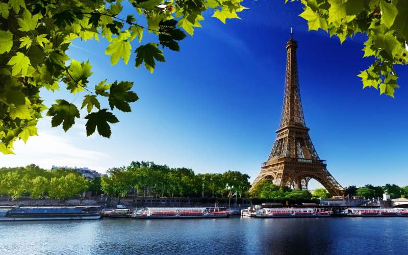 Ищу попутчиков влюбленных во Францию. Мечтаю посмотреть на Эйфелеву башню, достопримечательности...