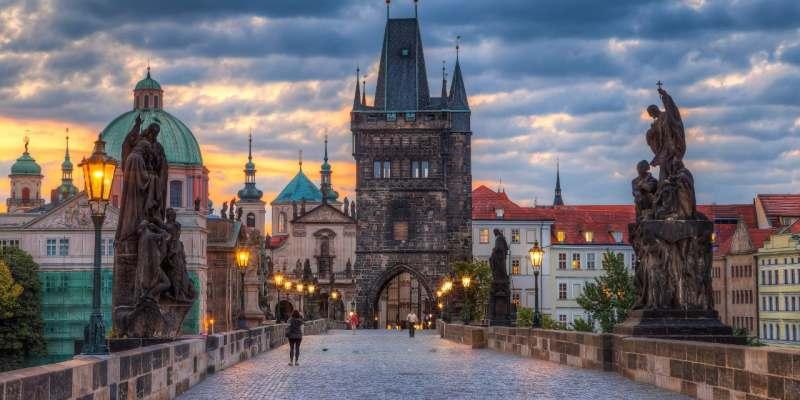 Ищу попутчицу для поездки в Прагу самостоятельно для хорошей компании, для сокращения расходов на...