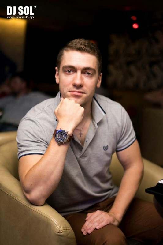 Возьму с собой привлекательную, интересную девушку для совместного отдыха на Азовском или Черном...