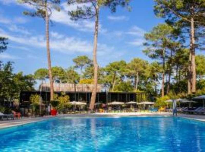 Я ищу компанию для совместной аренды комфортной виллы (4-5комнат).  потрясающее место на берегу...