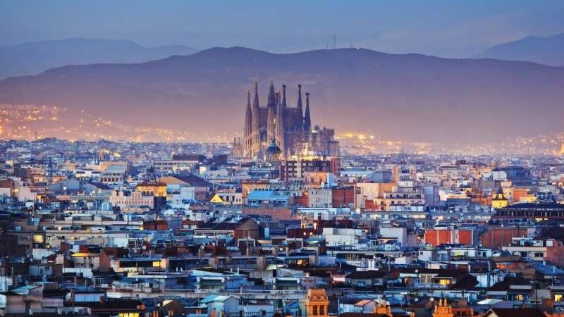 Планирую отправится в Барселону, буду там в период с 07.08-16.08. Вылет с Москвы, до Москвы еду...