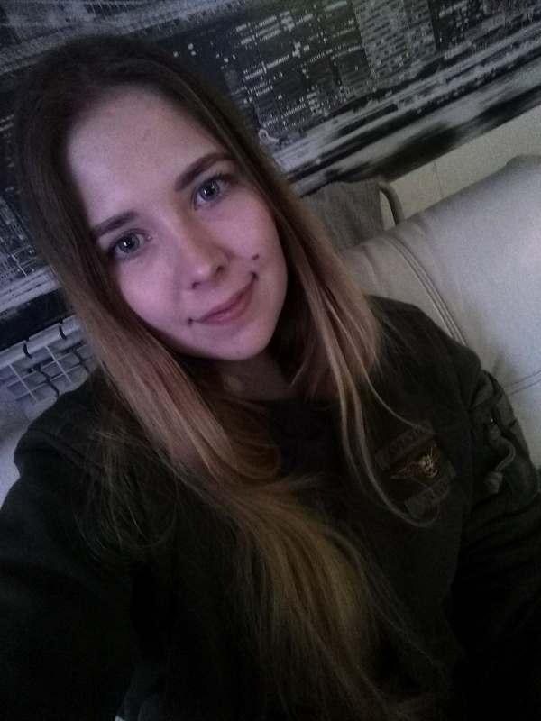 Привет! Девушка, 20 лет. Ищу попутчика или попутчицу с авто для поездки из Кирова в Геленджик...