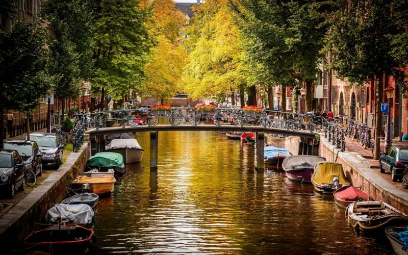 Планирую посетить Амстердам, Роттердам, Гаагу. 5-7 дней. Перелет - прямой рейсом KLM (или сами),...