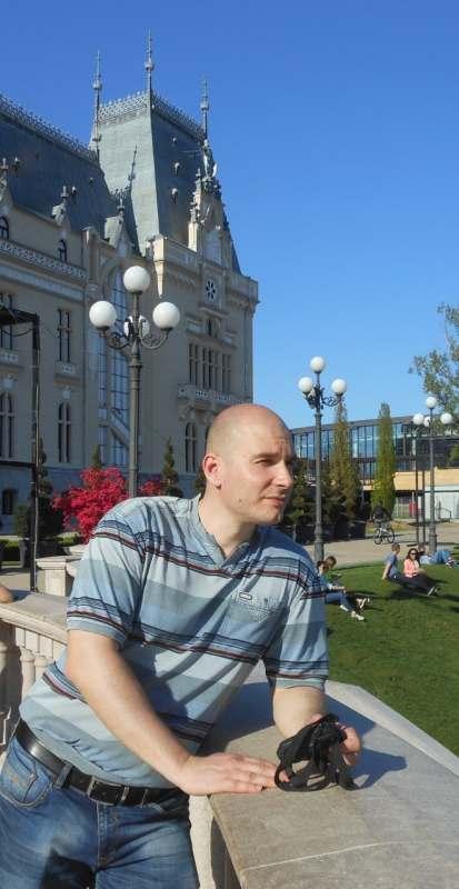 Ищу попутчицу в Черногорию, Будва. Пляжный отдых, туризм. Планирую отдых в течении двух недель на...