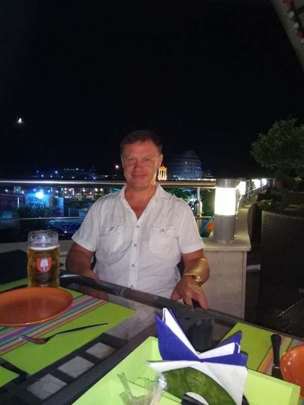 Ищу тематичную веселую попутчицу в Крым - Коктебель с 16 по 22 августа. Можно на машине, можно...