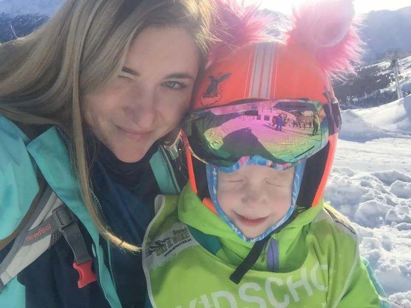 В Красную поляну в феврале-марте 2020 с дочкой, кататься на сноуборде, дочь(6 лет)лыжи. Будем...