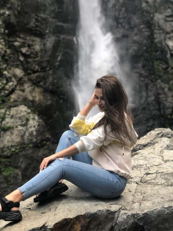 Ищу девушку от 25-35 лет для поездки в Турцию) можно компанию из девушек