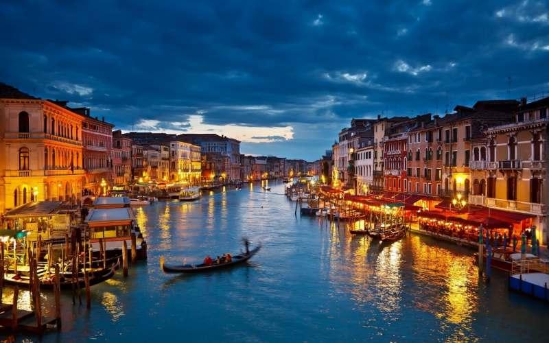 Поездка в прекрасную Венецию на неделю, чтобы успеть рассмотреть все великолепие этого...