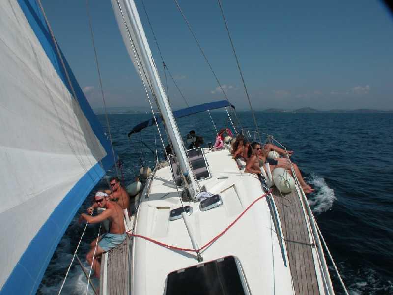 Яркий Круиз на яхте 41 на 6 человек по Греческим островам