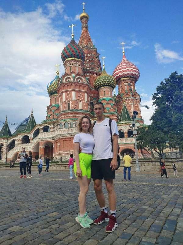 Салют! Мы с девушкой собираем веселую компанию для путешествия из Москвы в Крым! Нам интересно:...