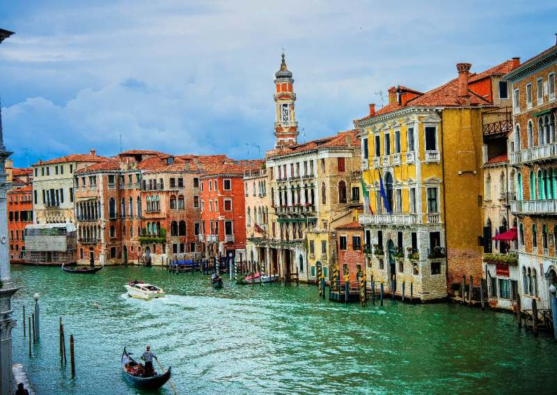 Я устраиваю квест-тур на 5 дней в Италии. Собираю небольшую группу из 4 человек. Осталось 1...