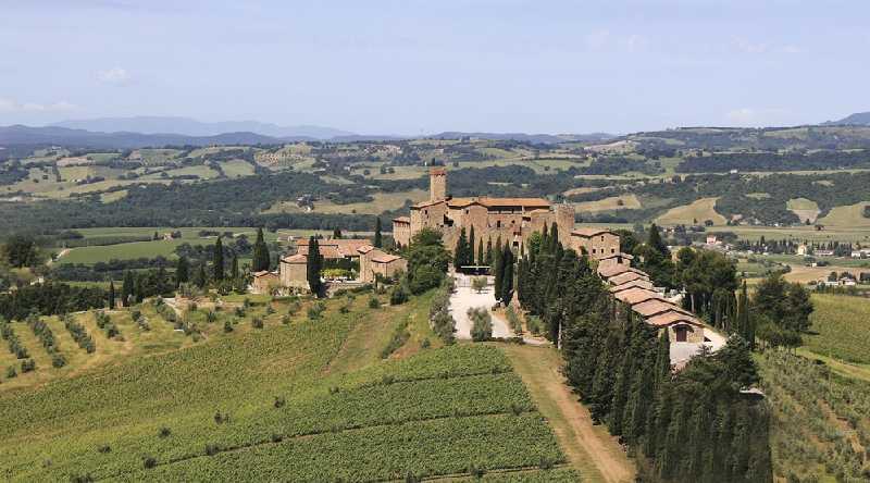 Дорогами вина Брунелло ди Монтальчино.
