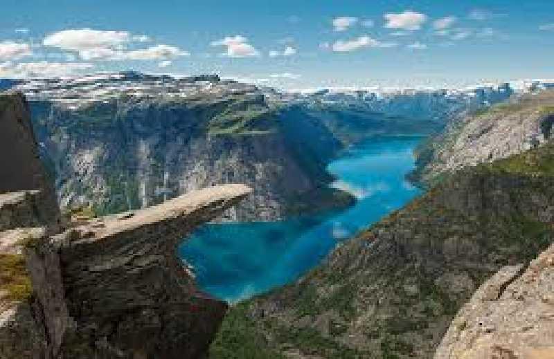 В августе к фьордам Норвегии на автомобиле