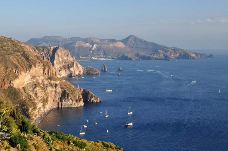 Сицилия и Липарские острова на парусной яхте